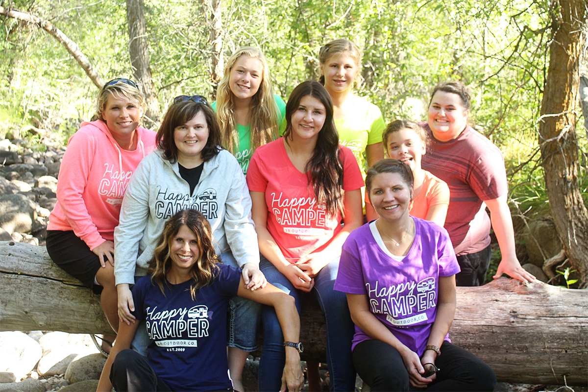 girls-camp-group