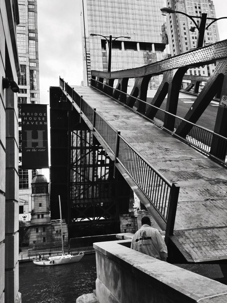 chicago-bridge-raising
