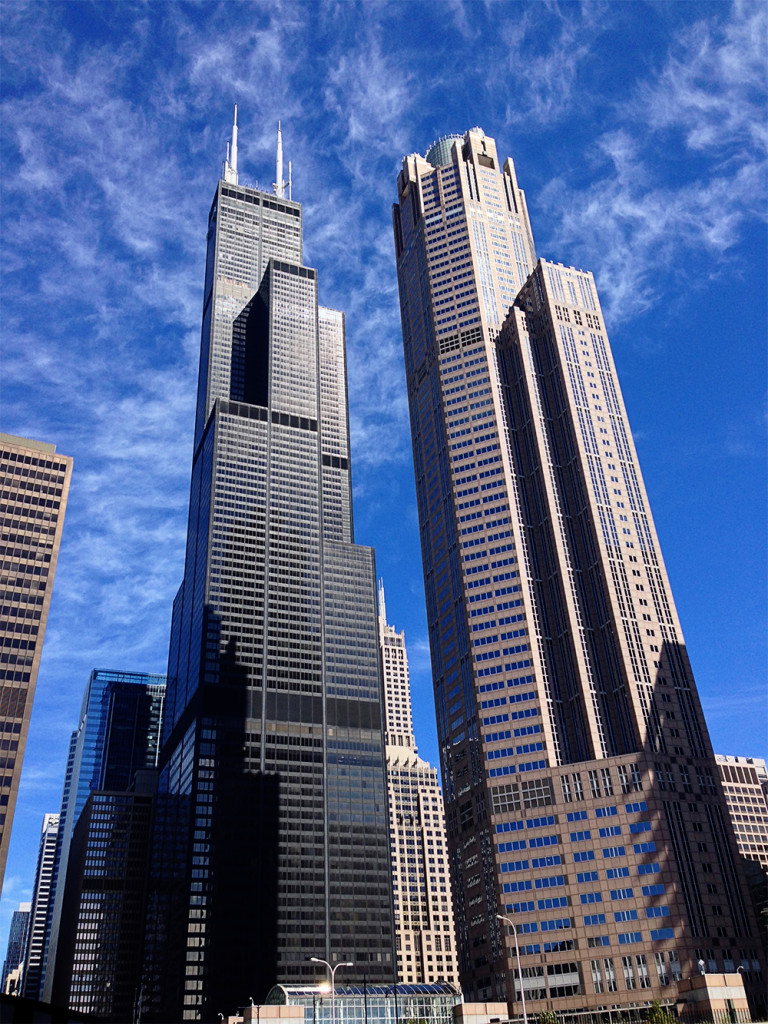 chicago-river-buildings